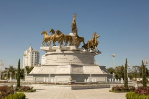 Horse statue Ashgabat