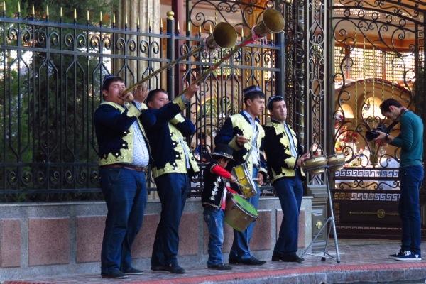 Uzbek wedding noise makers