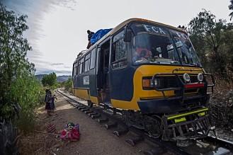 trains bus